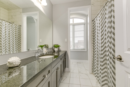 Main Bathroom - 3172 Preserve Dr, Oakville - Elite3 & Team at 3172 Preserve Drive, Rural Oakville, Oakville