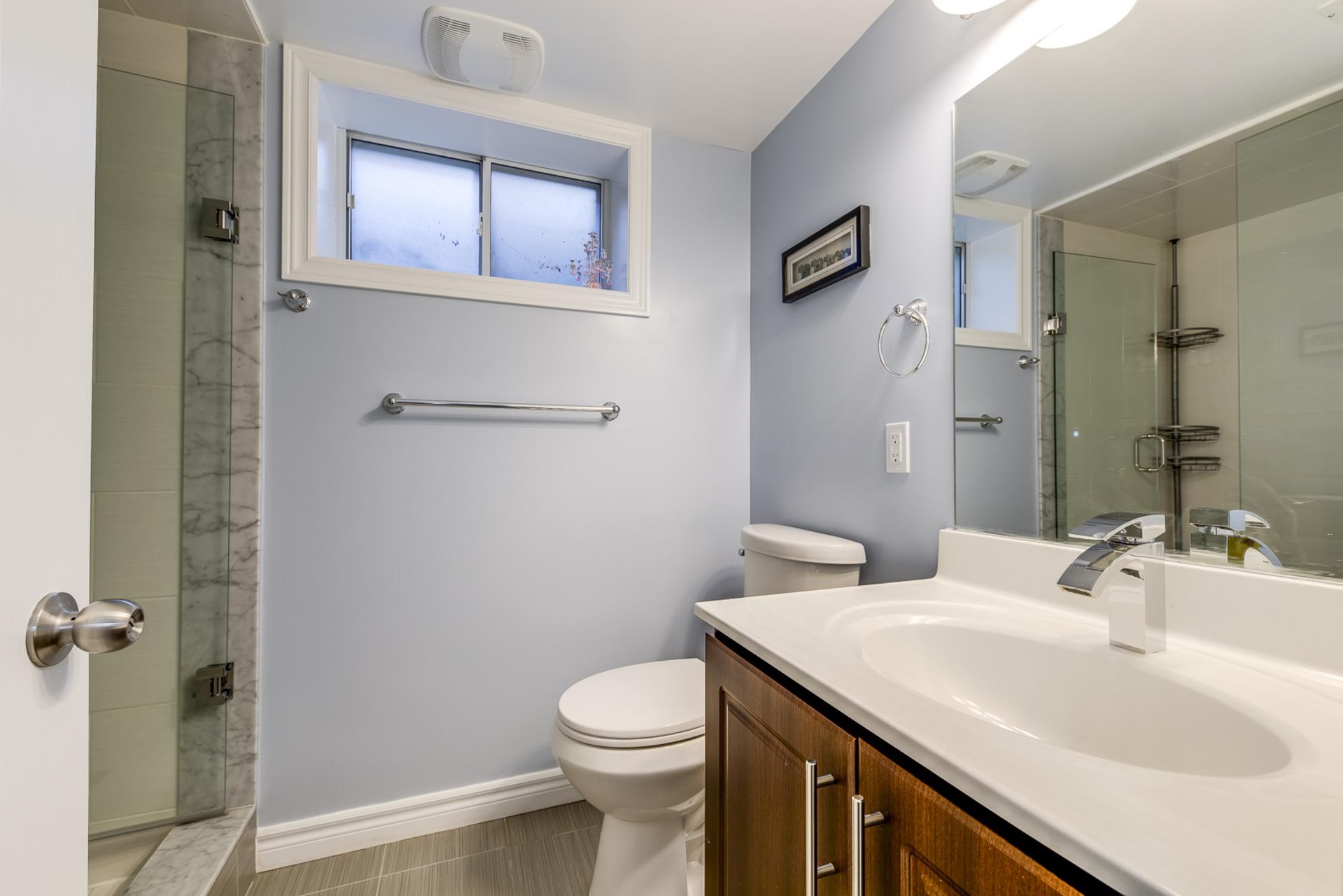 Basement Bathroom - 1059 Flagship Dr, Mississauga - Elite3 & Team at 1059 Flagship Drive, Applewood, Mississauga