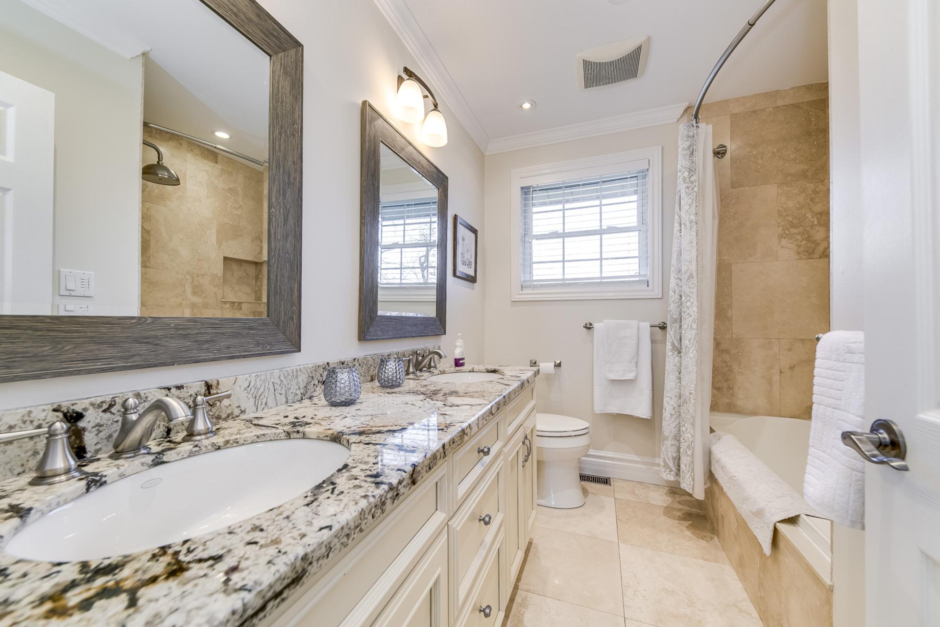 Main Bathroom - 1195 Half Moon Lane, Oakville at 1195 Half Moon Lane, Iroquois Ridge South, Oakville