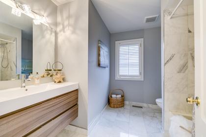 Main Bathroom - 228 Westfield Tr, Oakville - Elite3 & Team at 228 Westfield Trail, River Oaks, Oakville