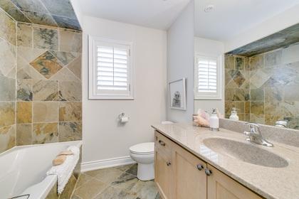 Main Bathroom - 2473 Tesla Cres, Oakville - Elite3 & Team at 2473 Tesla Crescent, Iroquois Ridge North, Oakville