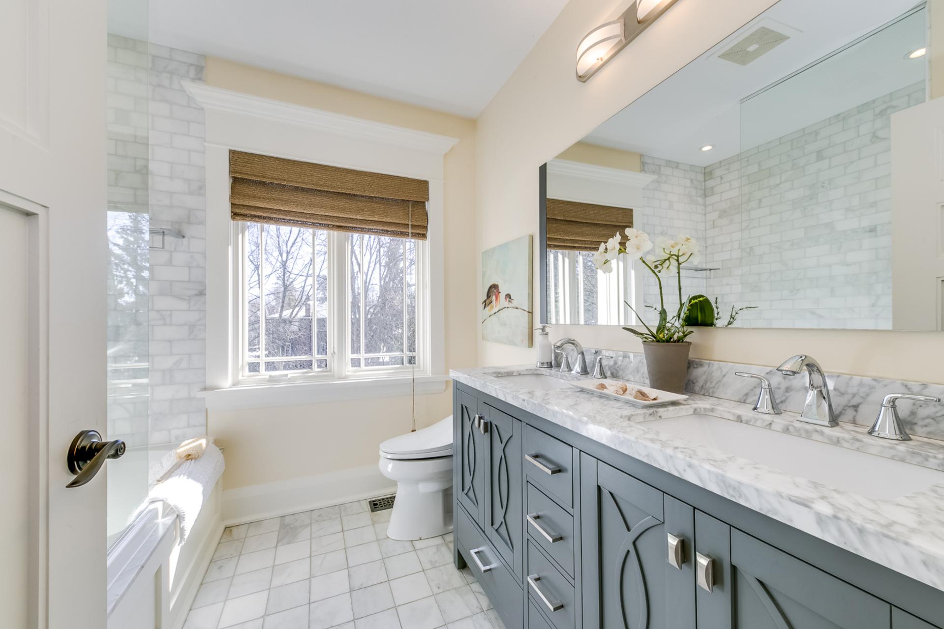 Main Bathroom - 1162 Morrison Heights, Oakville - Elite3 & Team at 1162 Morrison Heights, Eastlake, Oakville