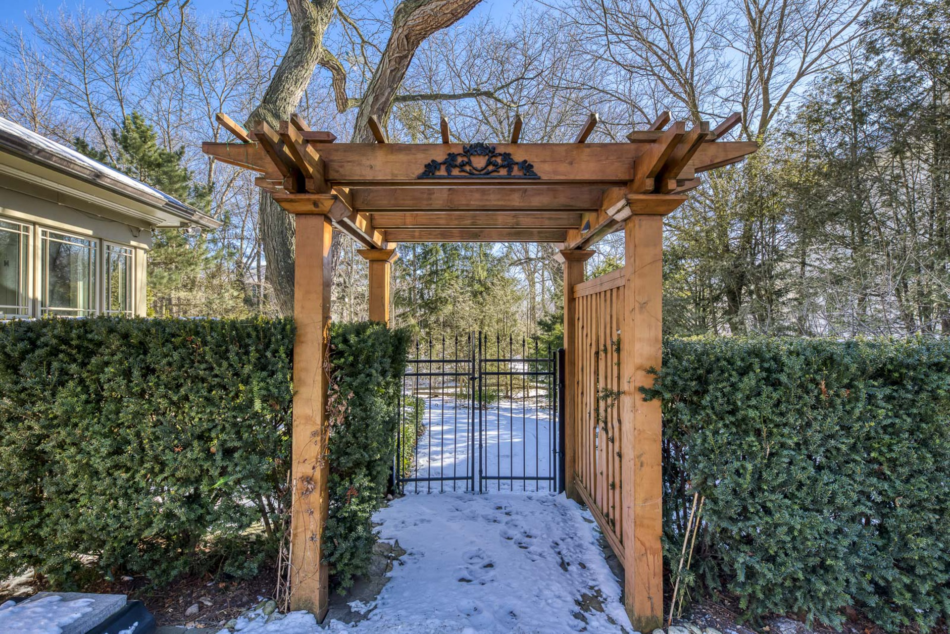 Fence Door - 1162 Morrison Heights, Oakville - Elite3 & Team at 1162 Morrison Heights, Eastlake, Oakville