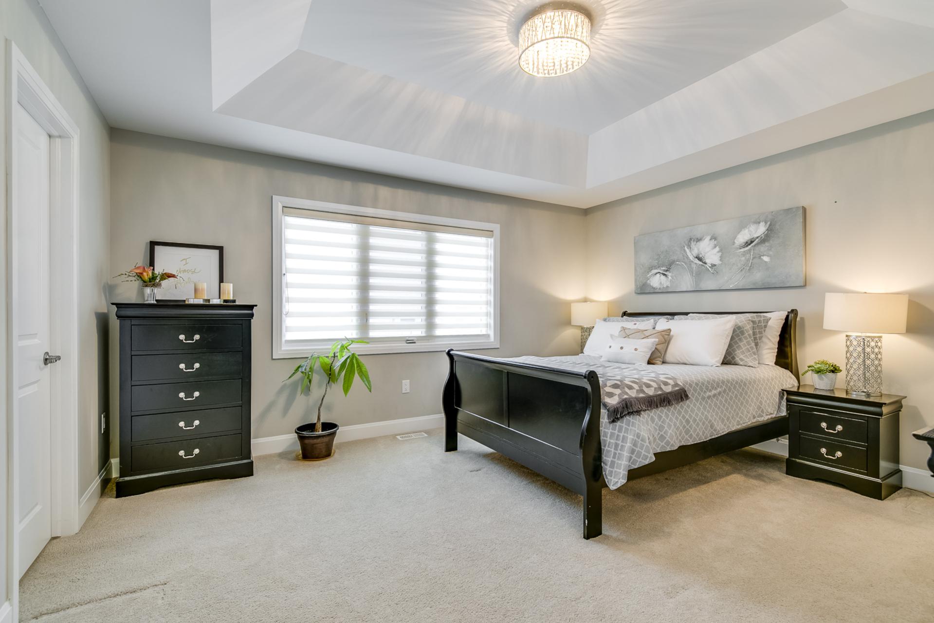 Master Bedroom - 379 Begonia Gardens, Oakville - Elite3 & Team at 379 Begonia Gardens, Rural Oakville, Oakville