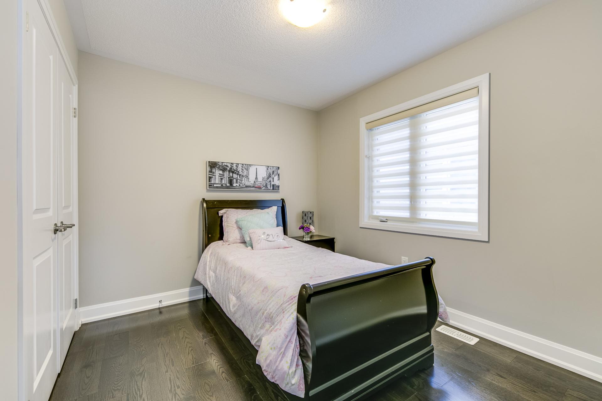 4th Bedroom - 379 Begonia Gardens, Oakville - Elite3 & Team at 379 Begonia Gardens, Rural Oakville, Oakville