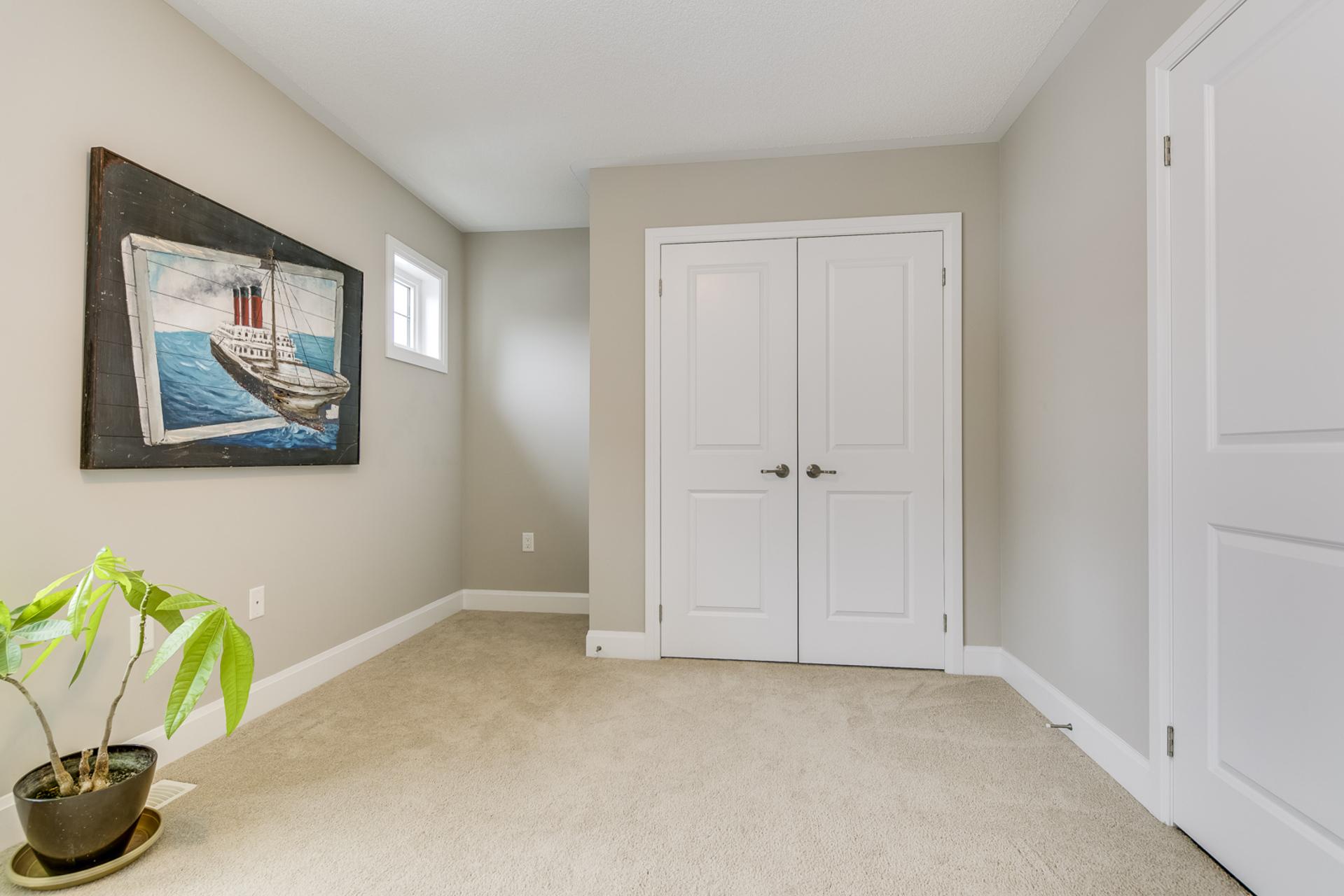 3rd Bedroom - 379 Begonia Gardens, Oakville - Elite3 & Team at 379 Begonia Gardens, Rural Oakville, Oakville