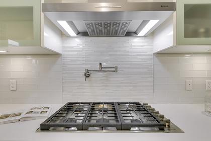 Kitchen - 729 Byngmount Ave, Mississauga - Elite3 & Team at 729 Byngmount Avenue, Lakeview, Mississauga