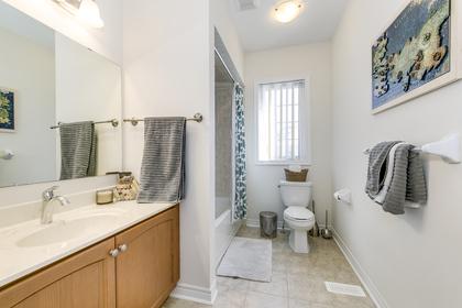 Main Bathroom - 207 Jessie Caverhill Pass, Oakville - Elite3 & Team at 207 Jessie Caverhill Pass, Rural Oakville, Oakville