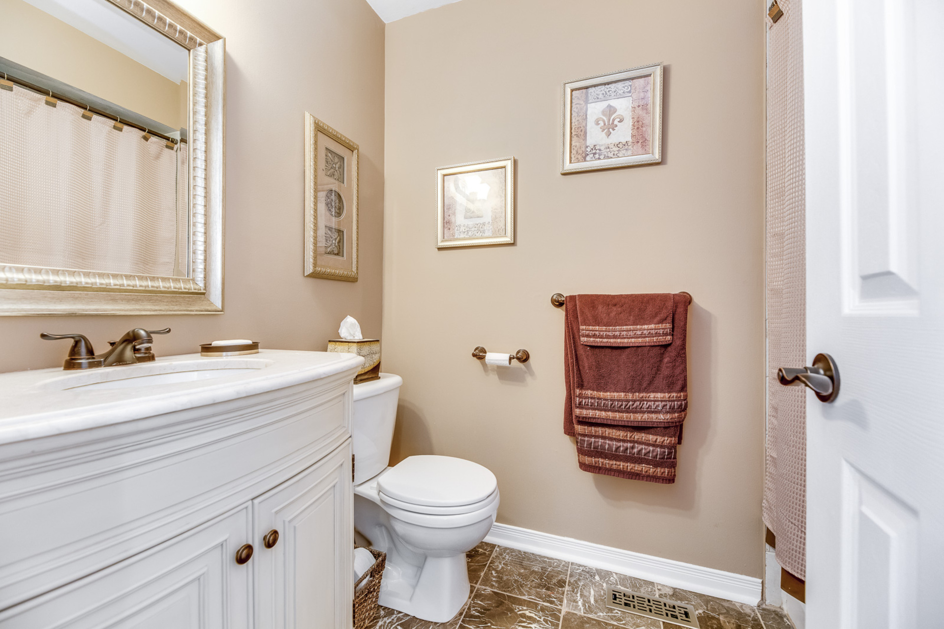 Main Bathroom - 368 Rosegate Way, Oakville - Elite3 & Team at 368 Rosegate Way, Uptown Core, Oakville