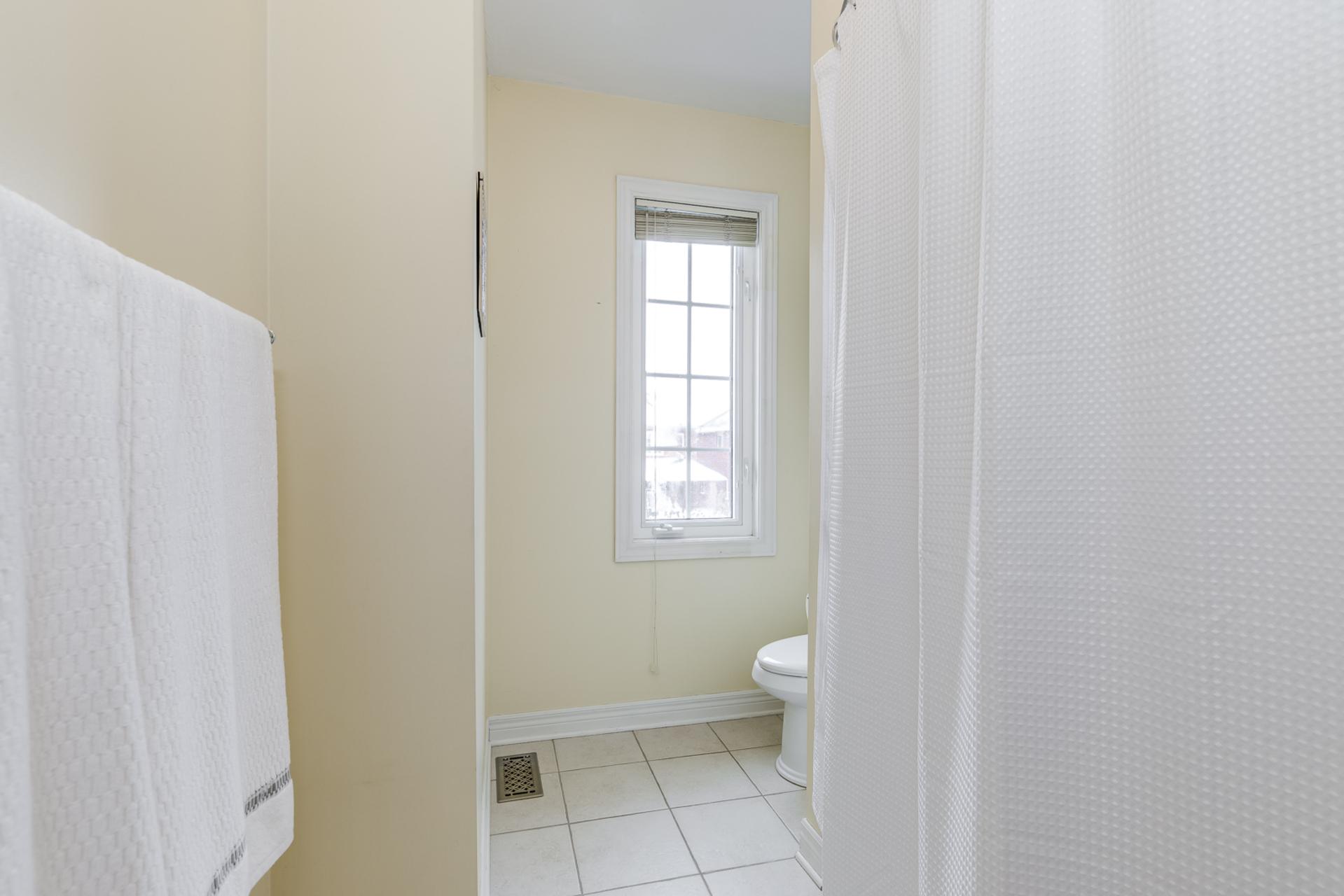 Main Bathroom - 1418 Gulledge Tr, Oakville - Elite3 & Team at 1418 Gulledge Trail, West Oak Trails, Oakville
