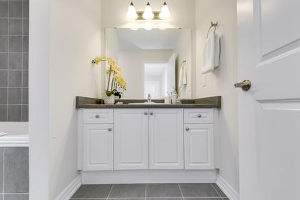 4th Bedroom Ensuite - 31 Beacon Point St,  Markham - Elite3 & Team at 31 Beacon Point Street, Wismer, Markham