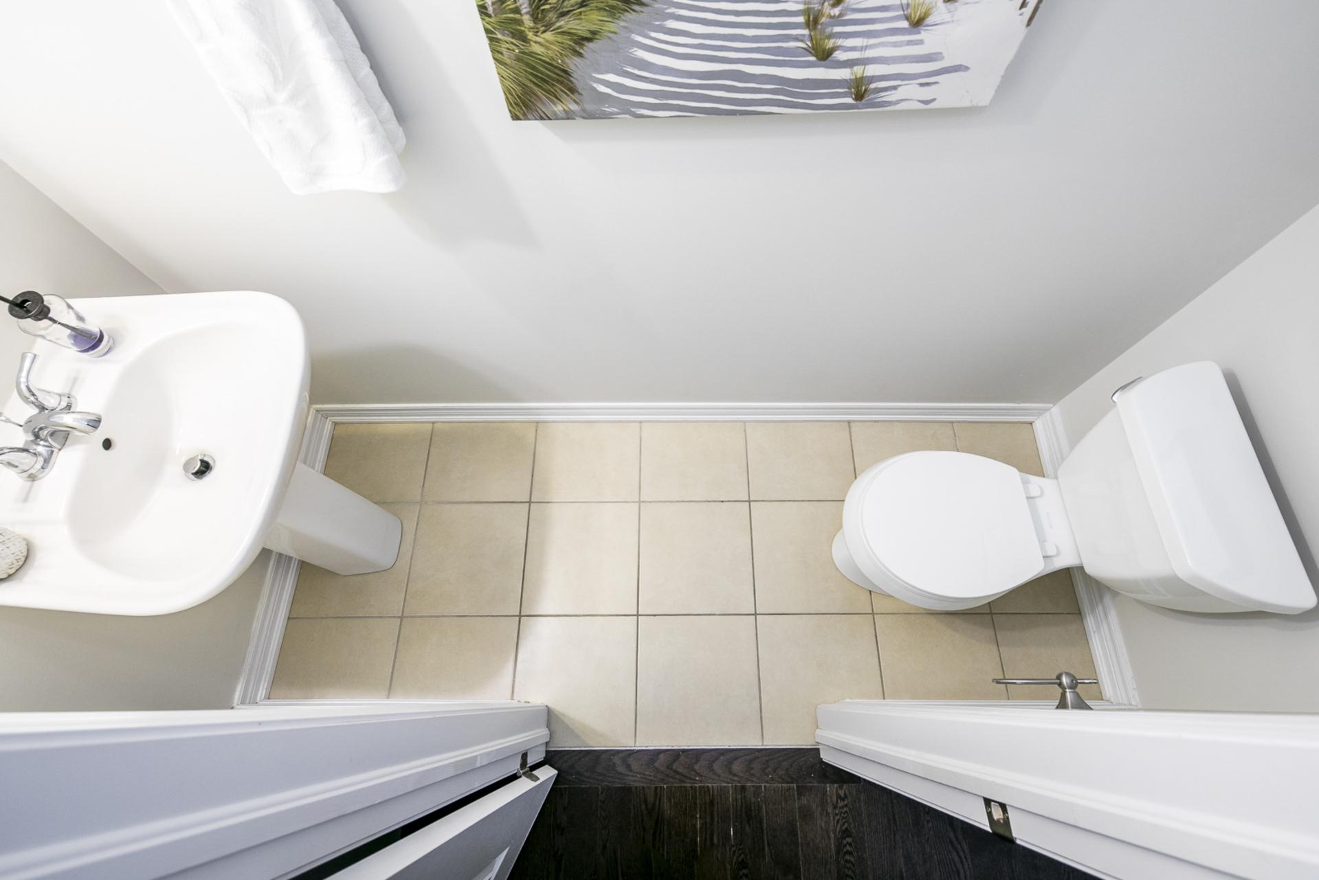 Powder Room - 31 Beacon Point St,  Markham - Elite3 & Team at 31 Beacon Point Street, Wismer, Markham