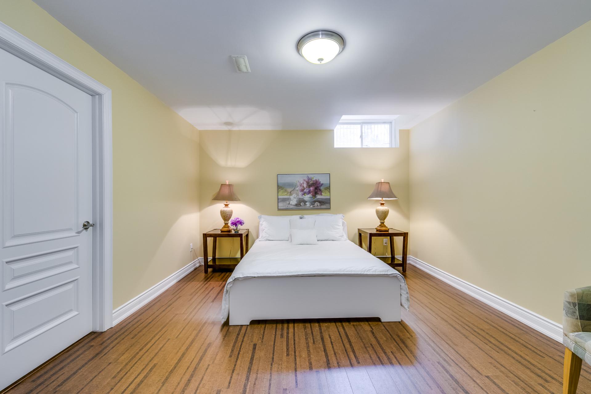Guest Bedroom - 725 Queensway W, Mississauga - Elite3 & Team at 725 Queensway West, Erindale, Mississauga