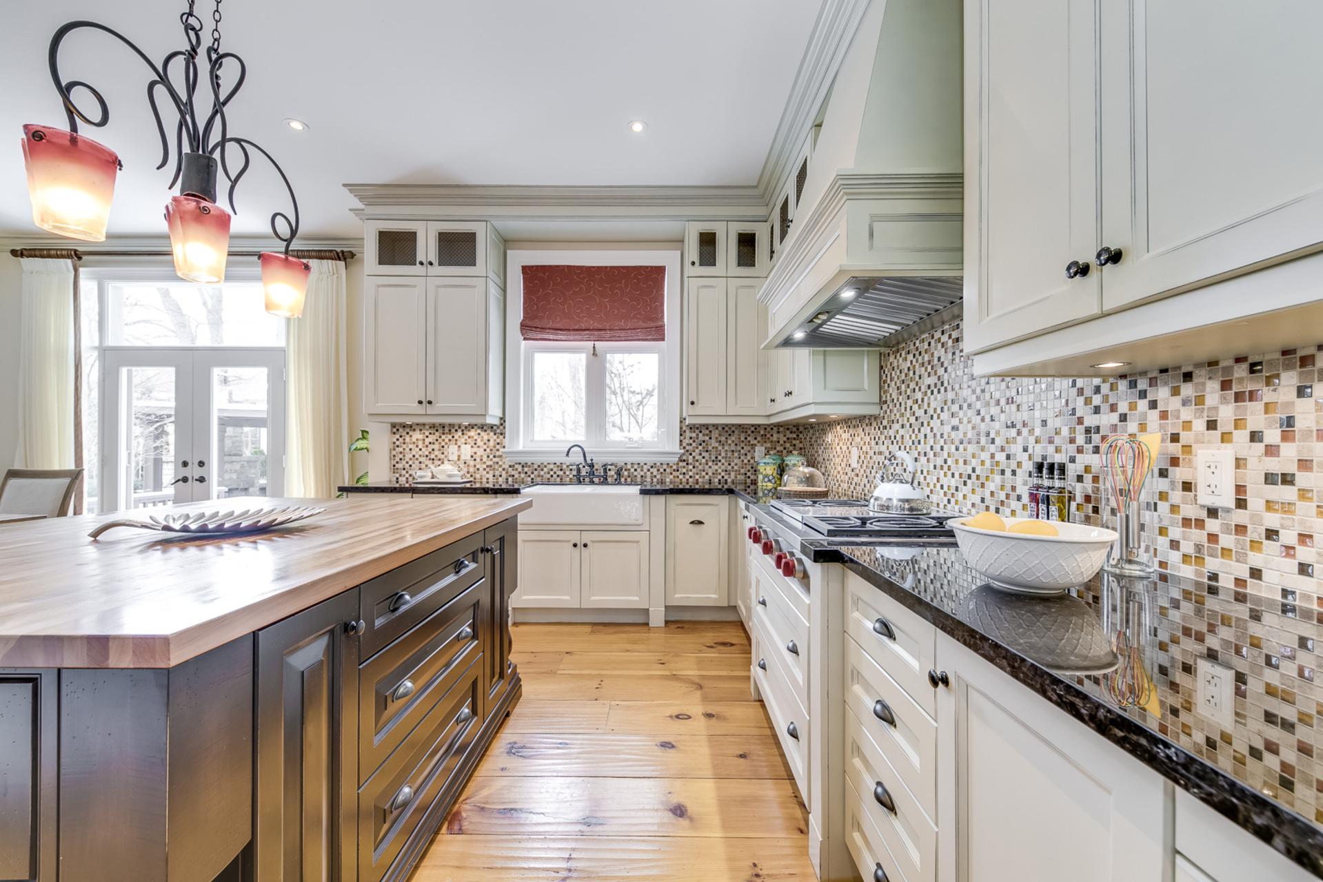 Kitchen - 725 Queensway W, Mississauga - Elite3 & Team at 725 Queensway West, Erindale, Mississauga