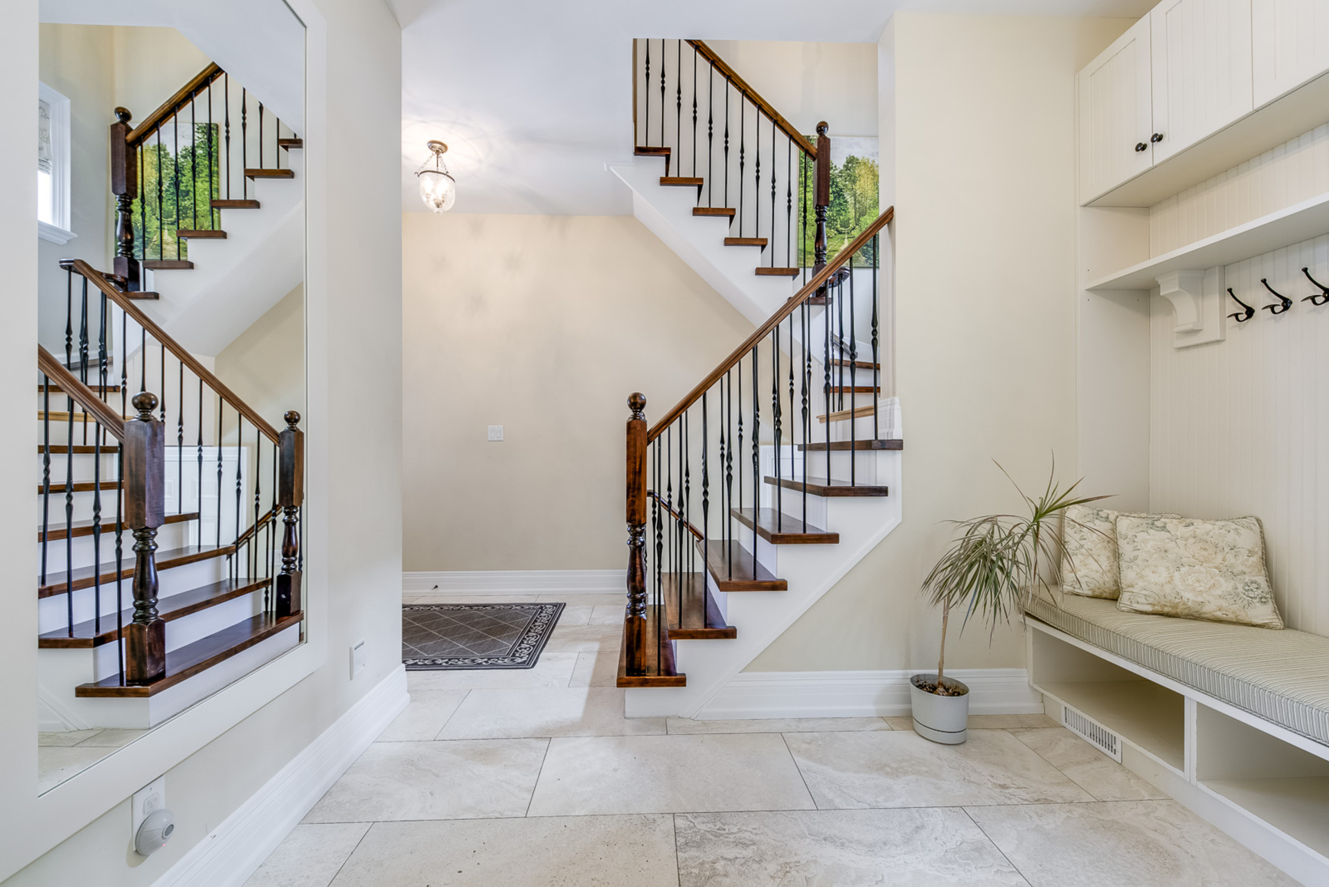 2nd Staircase - 725 Queensway W, Mississauga - Elite3 & Team at 725 Queensway West, Erindale, Mississauga
