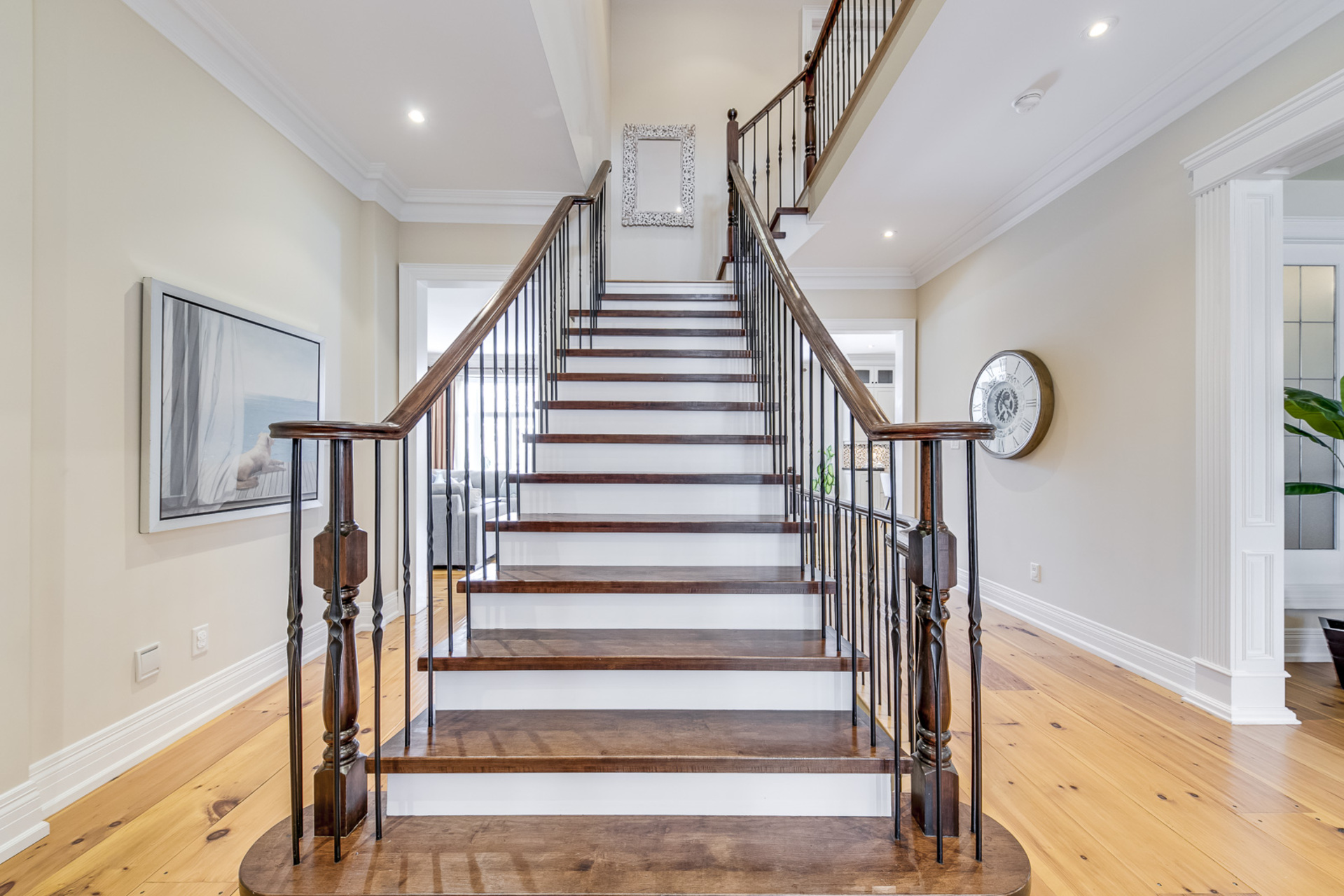 Main Staircase - 725 Queensway W, Mississauga - Elite3 & Team at 725 Queensway West, Erindale, Mississauga