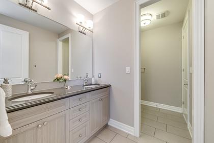 Jack & Jill Bathroom - 73 North Park Blvd, Oakville - Elite3 & Team at 73 North Park Boulevard, Rural Oakville, Oakville