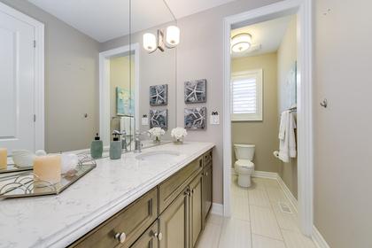Main Bathroom - 73 North Park Blvd, Oakville - Elite3 & Team at 73 North Park Boulevard, Rural Oakville, Oakville