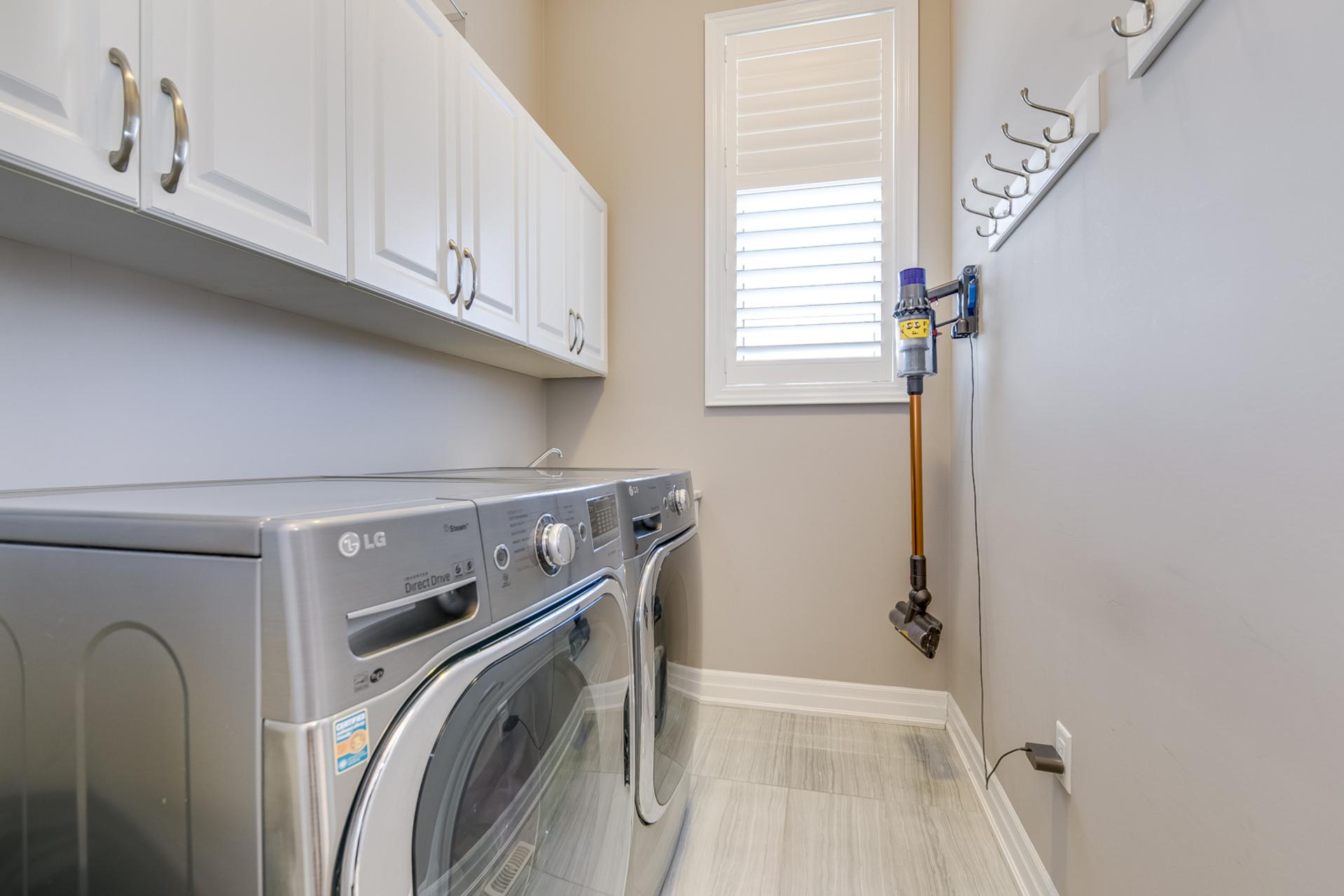 Laundry Room - 73 North Park Blvd, Oakville - Elite3 & Team at 73 North Park Boulevard, Rural Oakville, Oakville