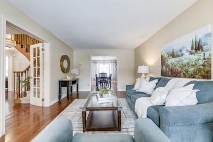 Living Room - 1267 Monks Passage, Oakville - Elite3 & Team at 1267 Monks Passage, Glen Abbey, Oakville