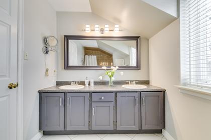 Main Bathroom - 1267 Monks Passage, Oakville - Elite3 & Team at 1267 Monks Passage, Glen Abbey, Oakville