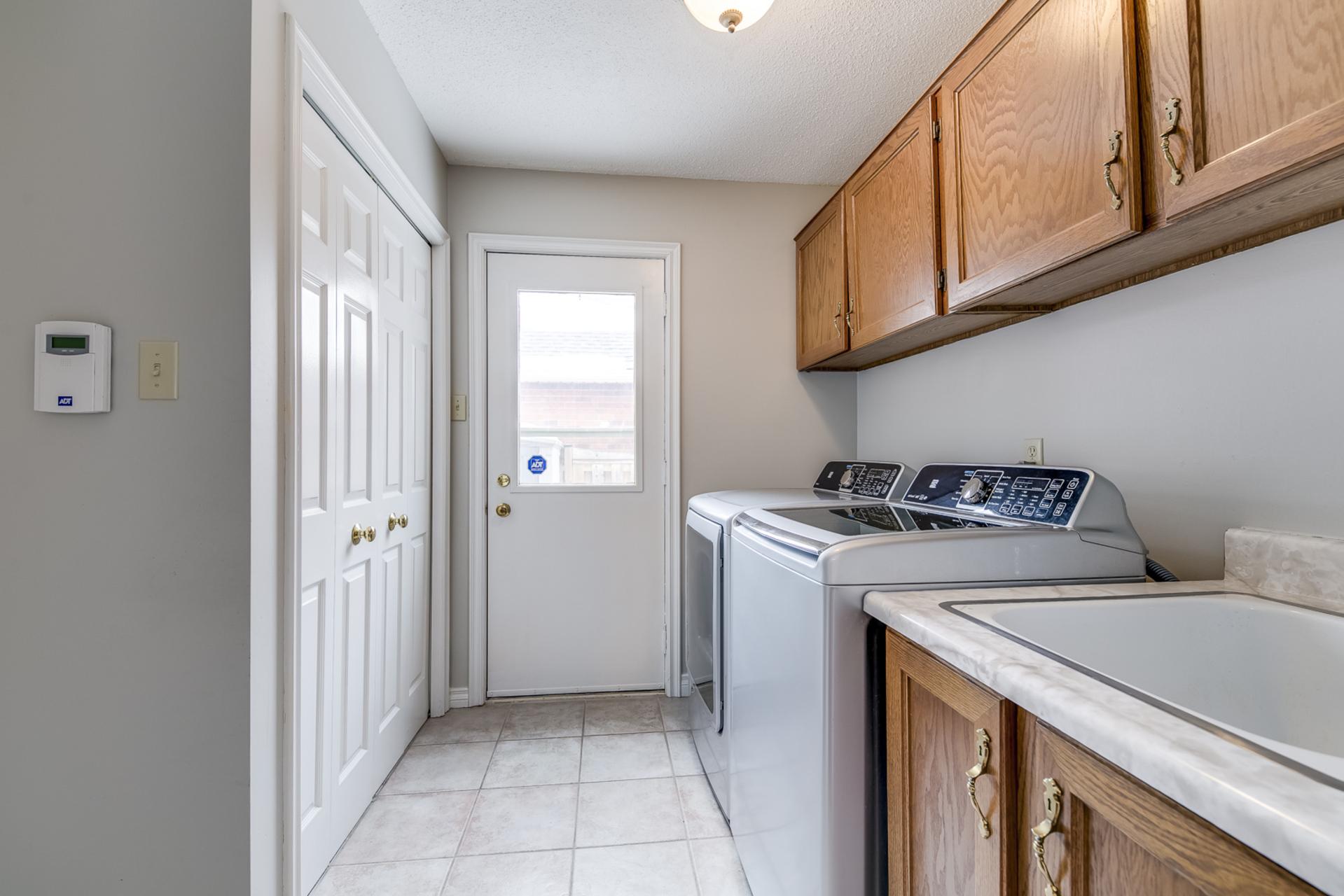 Laundry Room - 1267 Monks Passage, Oakville - Elite3 & Team at 1267 Monks Passage, Glen Abbey, Oakville