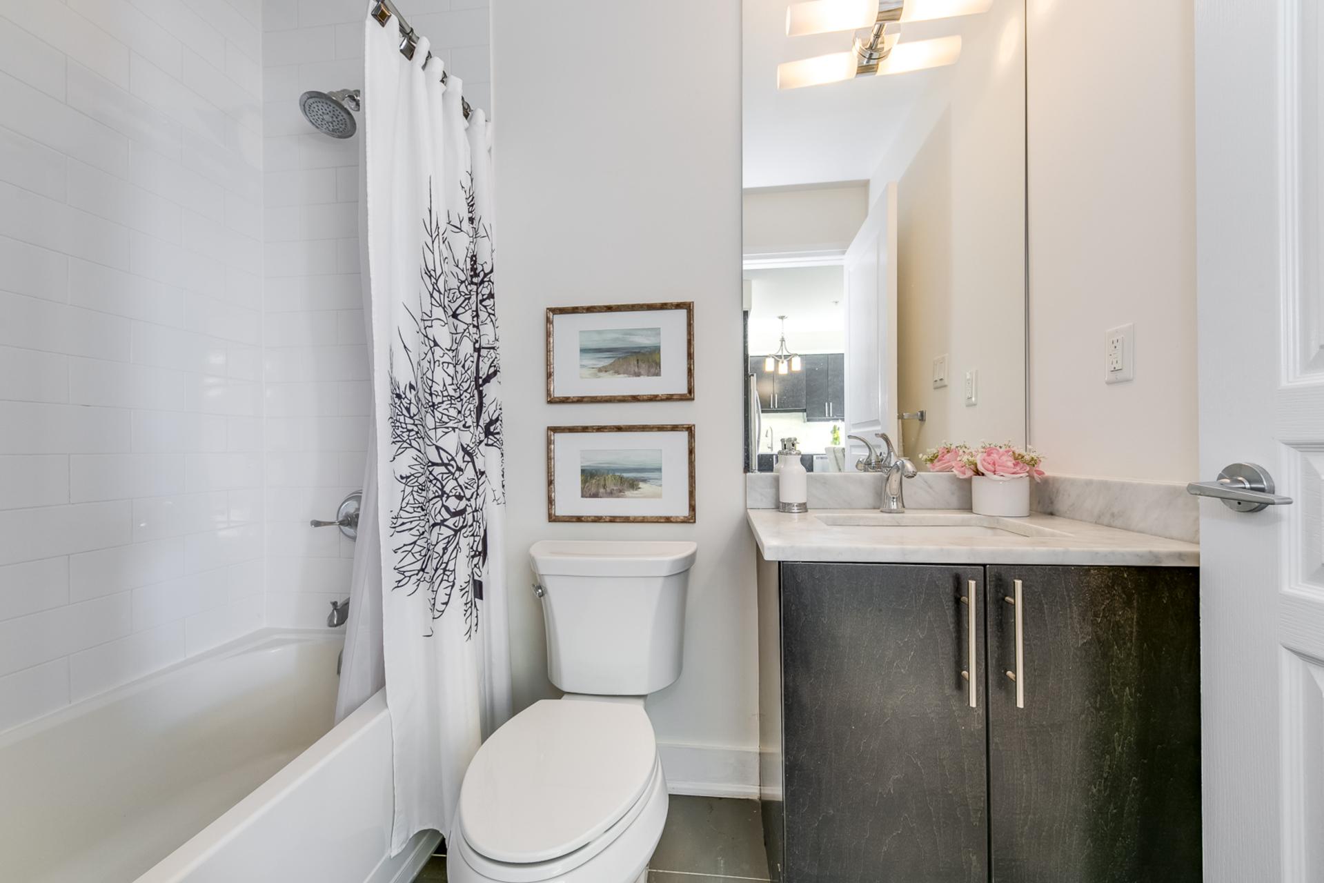 Bathroom - 411 - 128 Garden Dr, Oakville - Elite3 & Team at 411 - 128 Garden Drive, Old Oakville, Oakville