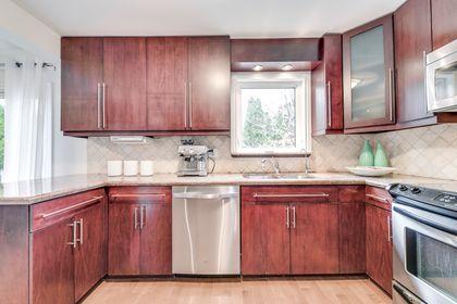 Kitchen - 1176 Old Post Dr, Oakville - Elite3 & Team at 1176 Old Post Drive, Glen Abbey, Oakville