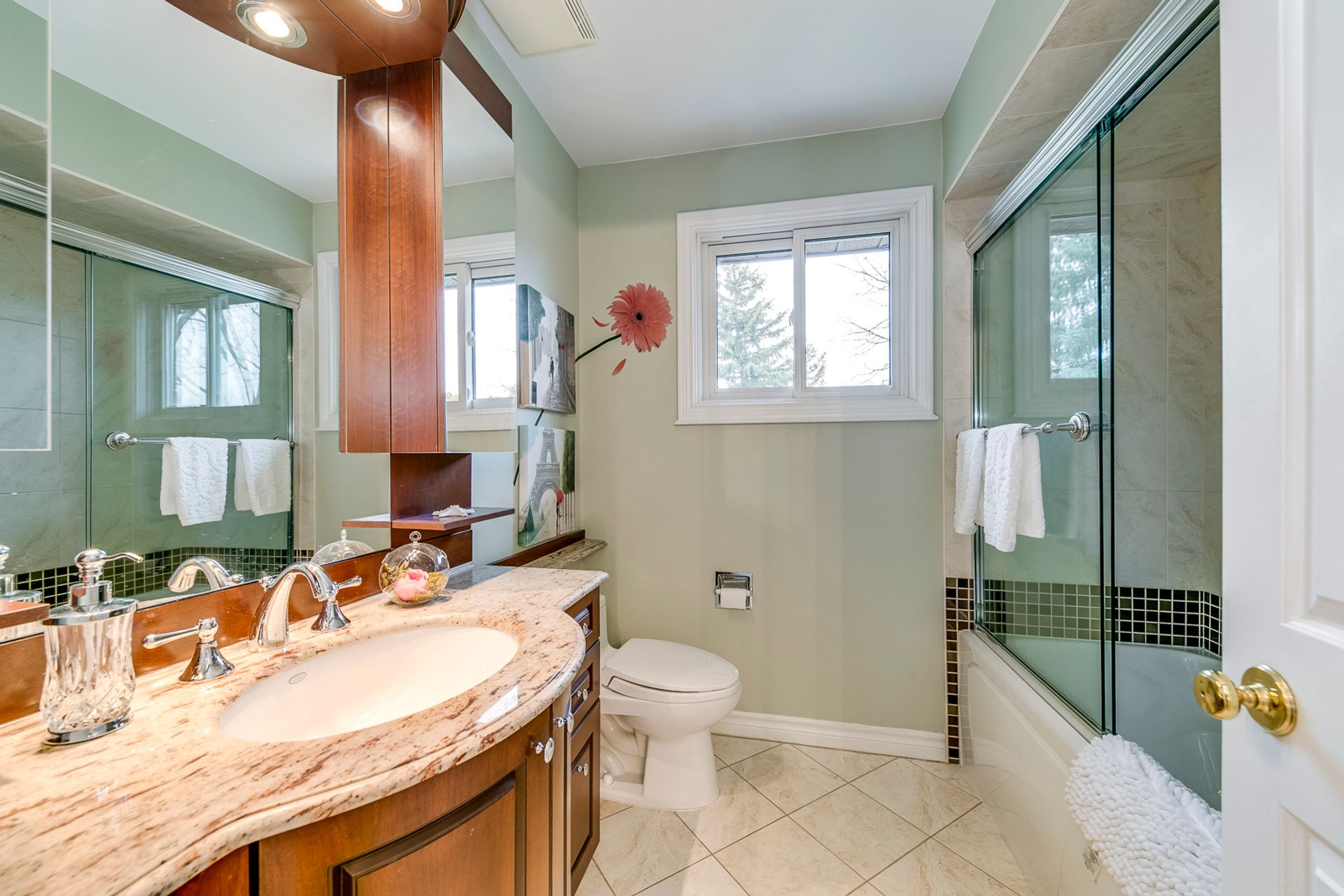 Main Bathroom - 1176 Old Post Dr, Oakville - Elite3 & Team at 1176 Old Post Drive, Glen Abbey, Oakville