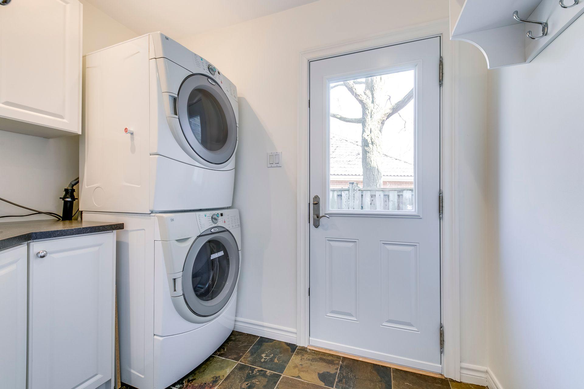 Laundry Room - 2389 Deer Run Ave, Oakville - Elite3 & Team at 2389 Deer Run Avenue, Eastlake, Oakville