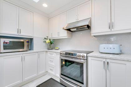 Kitchen - 2129 Constance Dr, Oakville - Elite3 & Team at 2129 Constance Drive, Eastlake, Oakville