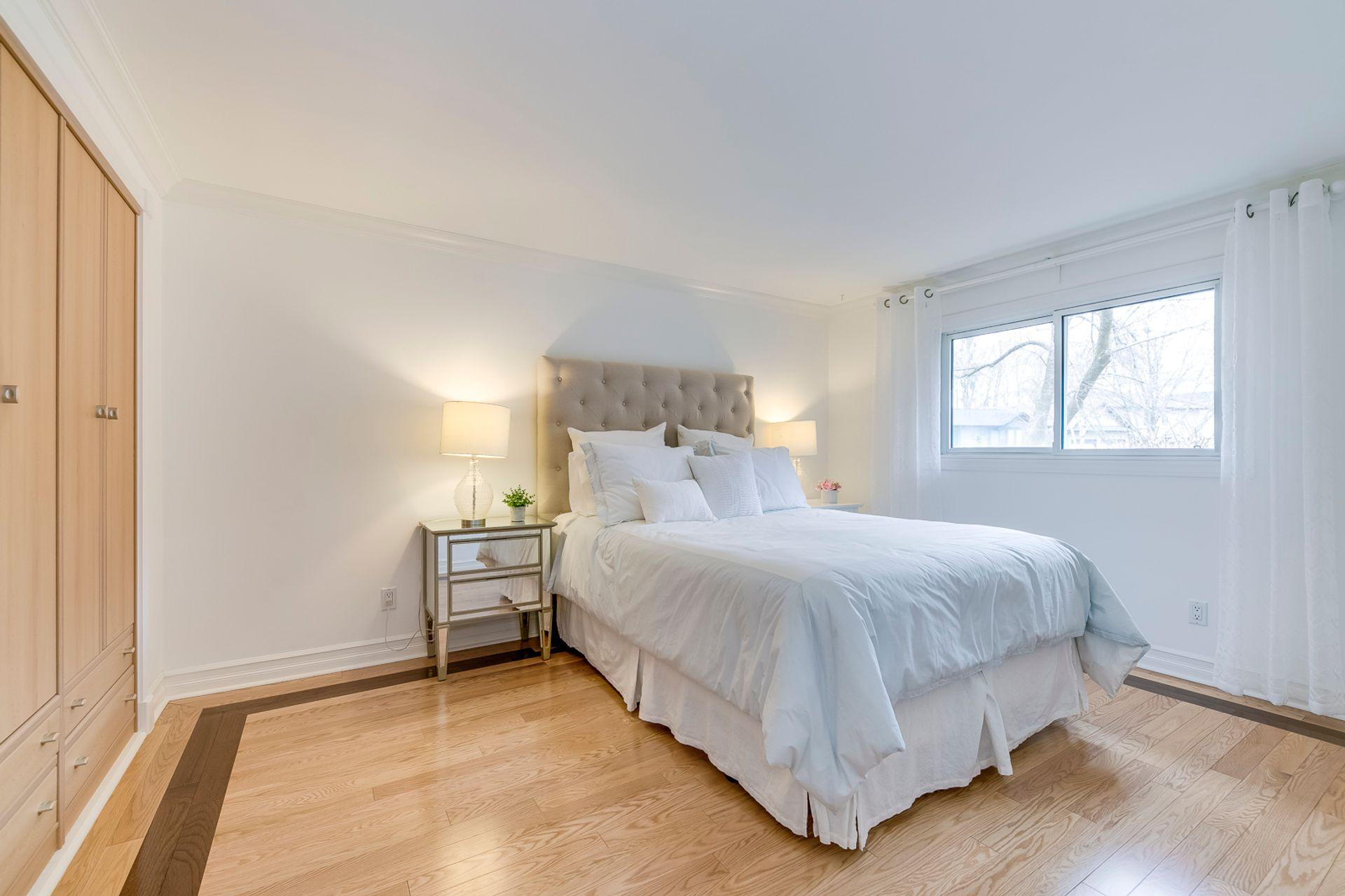 Master Bedroom - 2129 Constance Dr, Oakville - Elite3 & Team at 2129 Constance Drive, Eastlake, Oakville