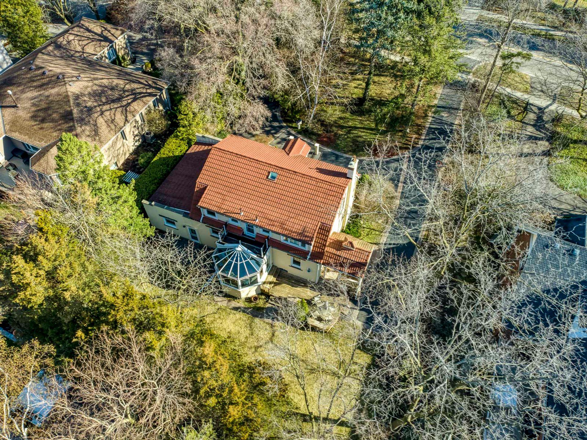 Backyard - 398 Maple Grove Dr, Oakville - Elite3 & Team at 398 Maple Grove Drive, Eastlake, Oakville