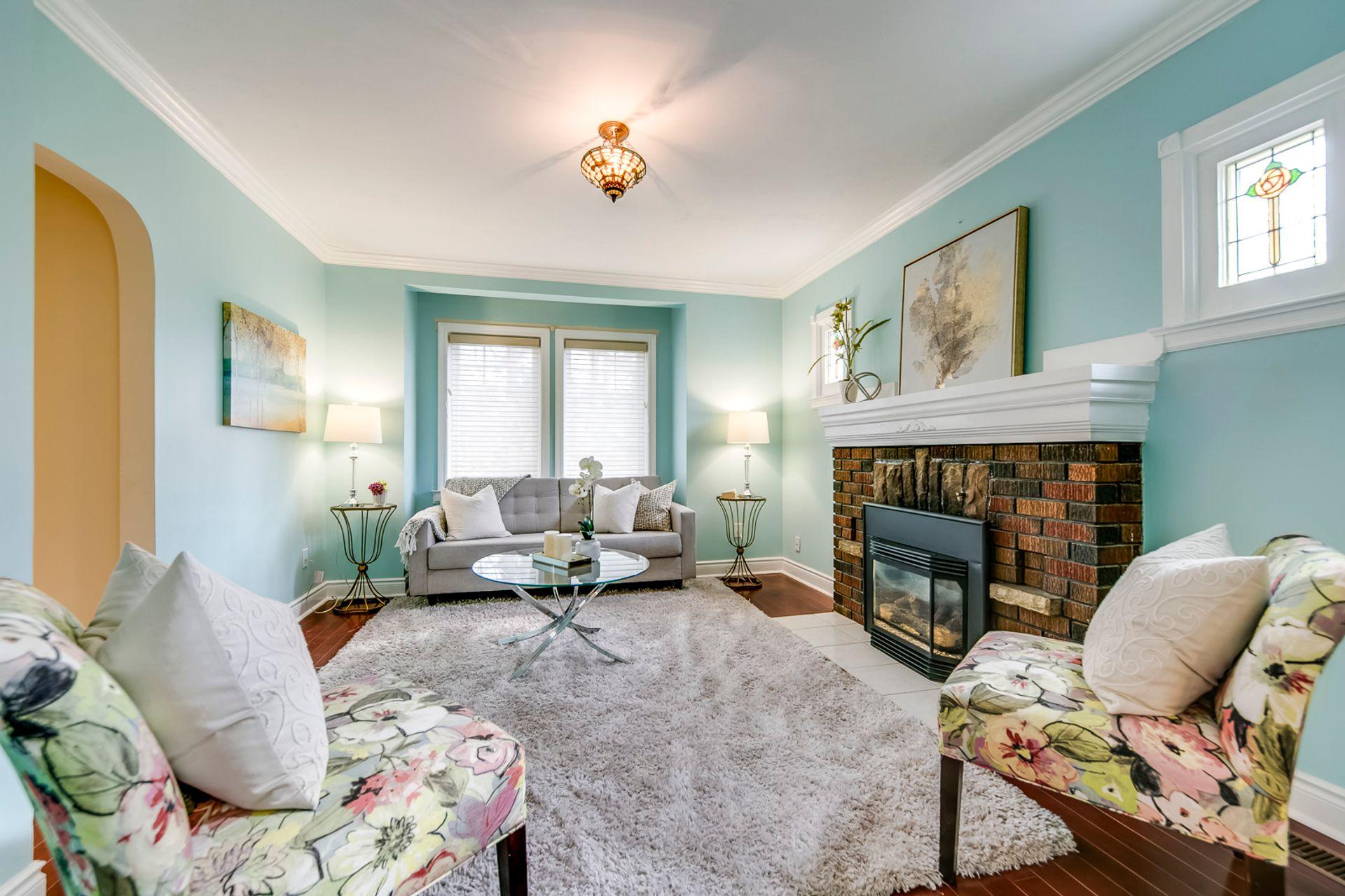 Living Room - 398 Maple Grove Dr, Oakville - Elite3 & Team at 398 Maple Grove Drive, Eastlake, Oakville