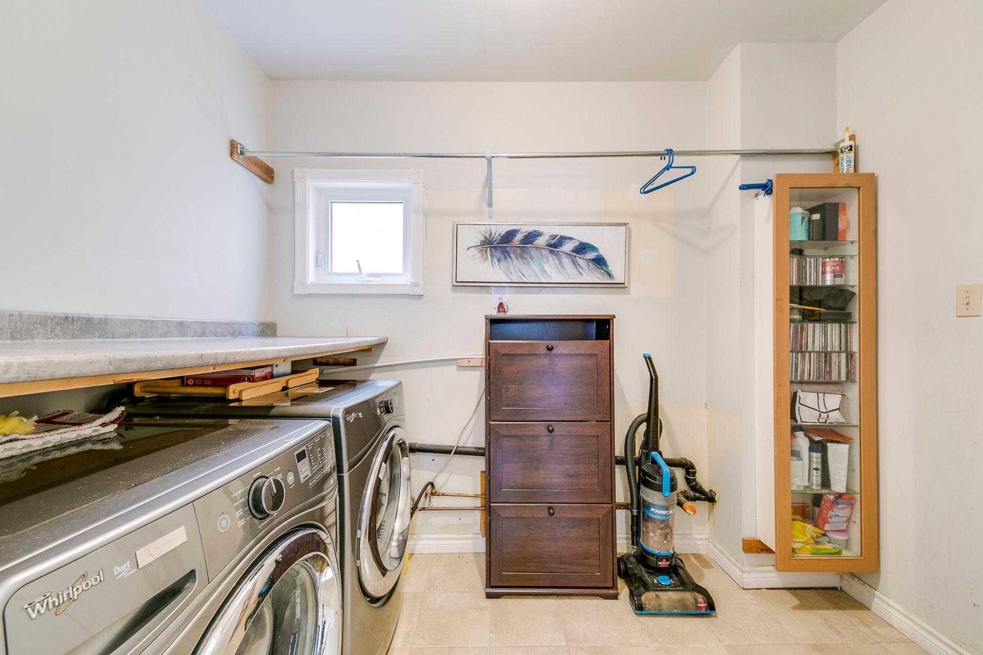 Laundry Room - 972 Winterton Way, Mississauga - Elite3 & Team at 972 Winterton Way, East Credit, Mississauga