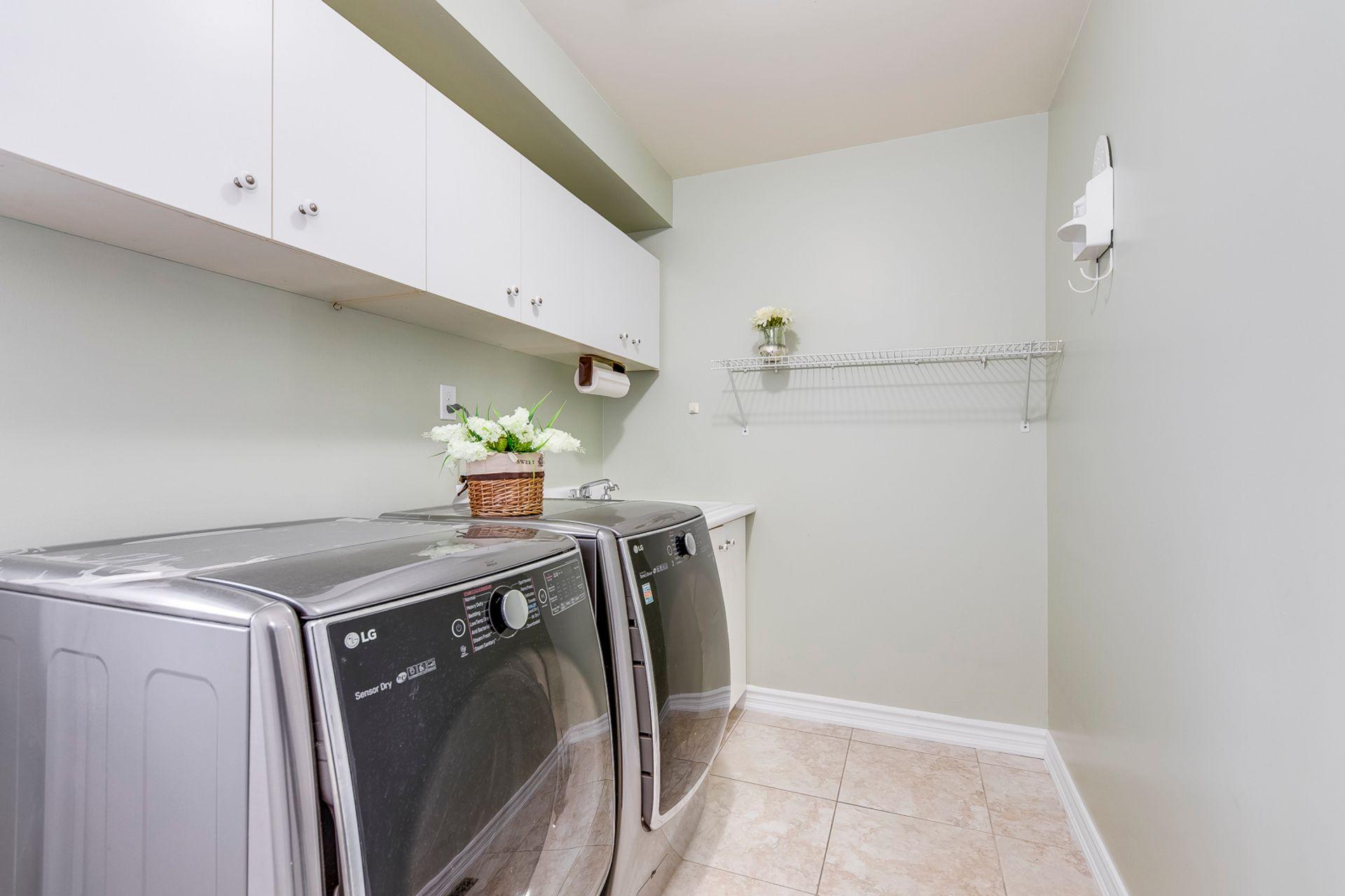 Laundry Room - 2791 Mahogany Lane, Oakville - Elite3 & Team at 2791 Mahogany Lane, Clearview, Oakville