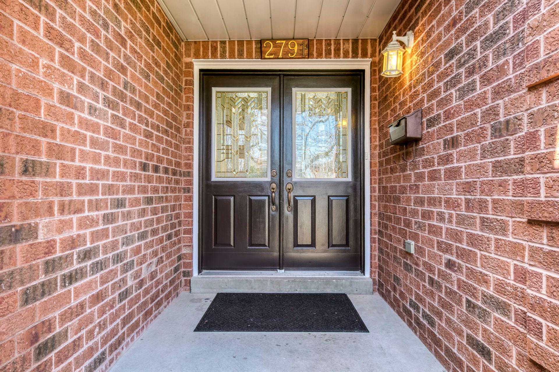 Exterior - 2791 Mahogany Lane, Oakville - Elite3 & Team at 2791 Mahogany Lane, Clearview, Oakville