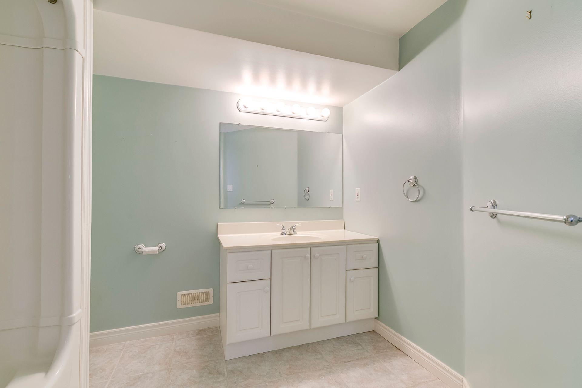 Basement Bathroom - 2791 Mahogany Lane, Oakville - Elite3 & Team at 2791 Mahogany Lane, Clearview, Oakville
