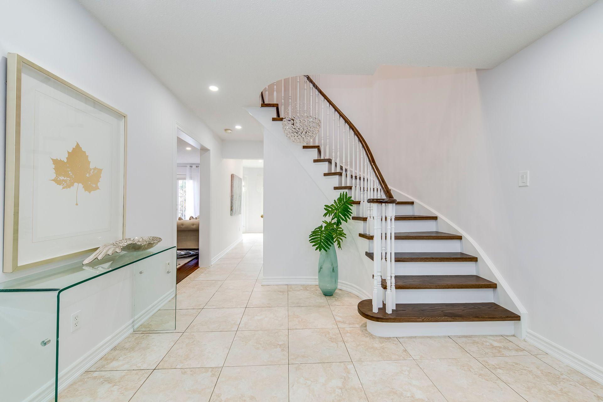 Foyer - 2791 Mahogany Lane, Oakville - Elite3 & Team at 2791 Mahogany Lane, Clearview, Oakville