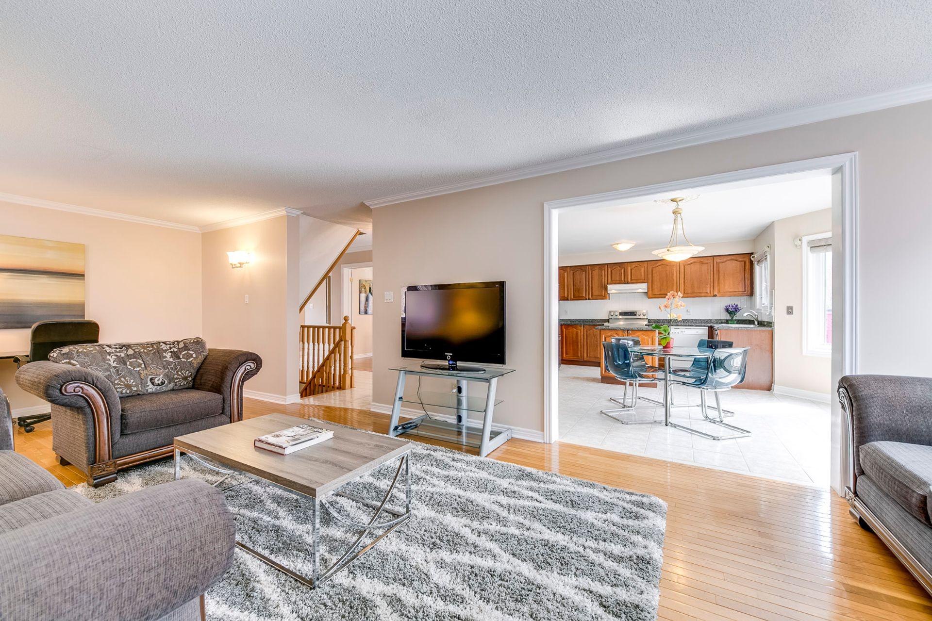 Family Room - 5156 Heatherleigh Ave, Mississauga - Elite3 & Team at 5156 Heatherleigh Avenue, East Credit, Mississauga