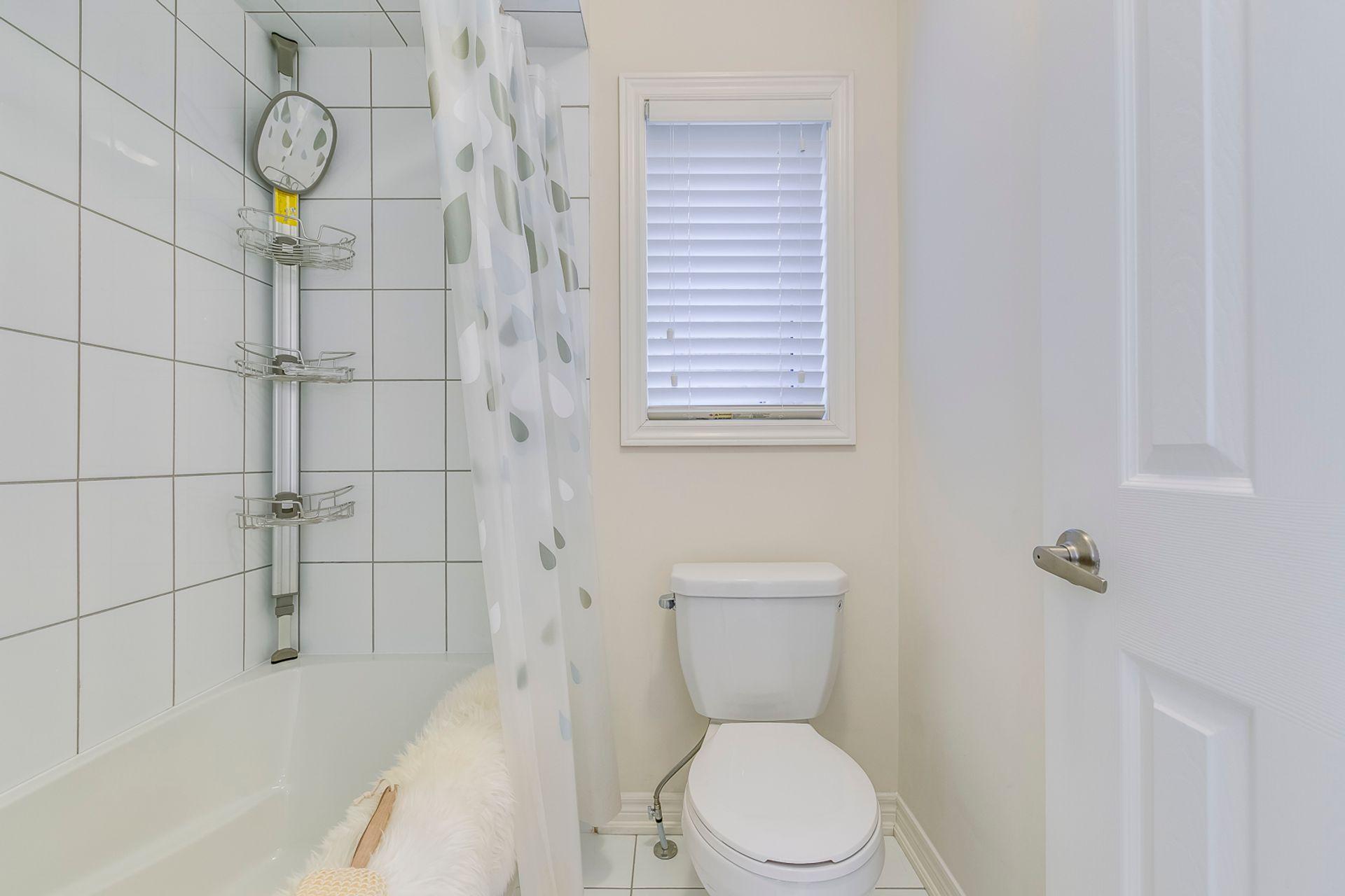 Main Bathroom - 3045 Max Khan Blve, Oakville - Elite3 & Team at 3045 Max Khan Boulevard, Rural Oakville, Oakville