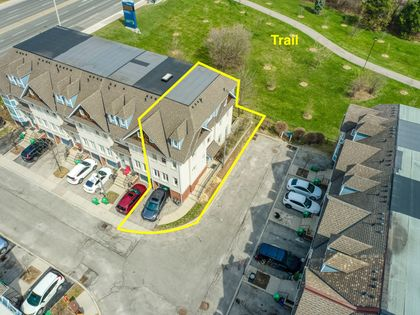 Drone - 7 - 840 Dundas St W, Mississauga - Elite3 & Team at 7 - 840 Dundas Street W, Erindale, Mississauga