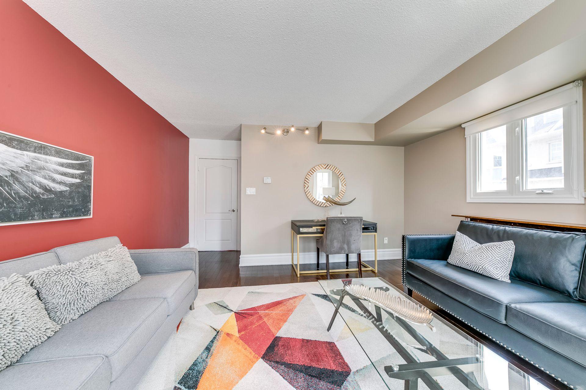 Living Room - 7 - 840 Dundas St W, Mississauga - Elite3 & Team at 7 - 840 Dundas Street W, Erindale, Mississauga