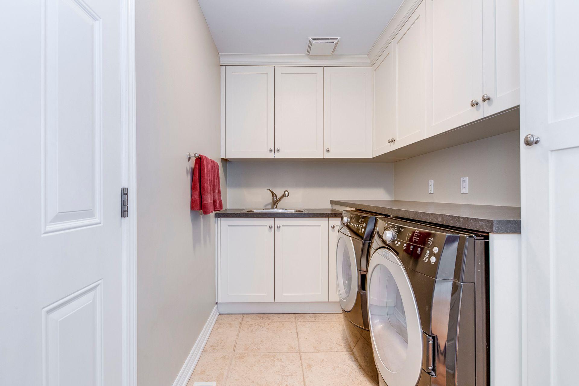 Laundry Room - 2465 North Ridge Tr, Oakville - Elite3 & Team at 2465 North Ridge Trail, Iroquois Ridge North, Oakville