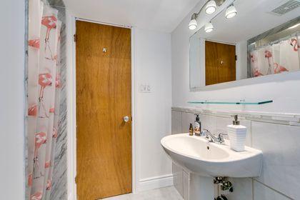 Lower Bathroom -1247 Kensington Park Rd, Oakville - Elite3 & Team at 1247 Kensington Park Road, Iroquois Ridge South, Oakville