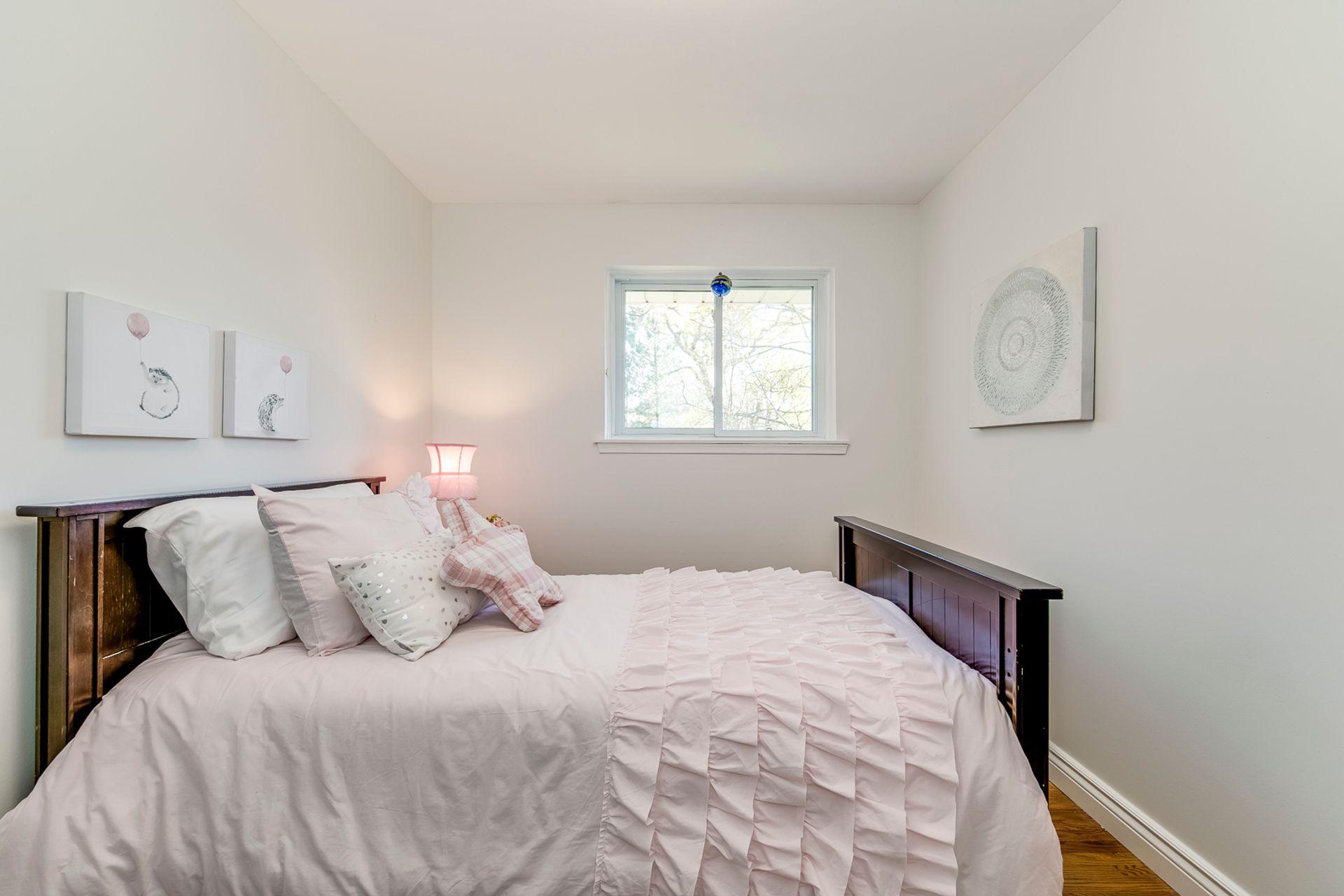 3rd Bedroom -1247 Kensington Park Rd, Oakville - Elite3 & Team at 1247 Kensington Park Road, Iroquois Ridge South, Oakville