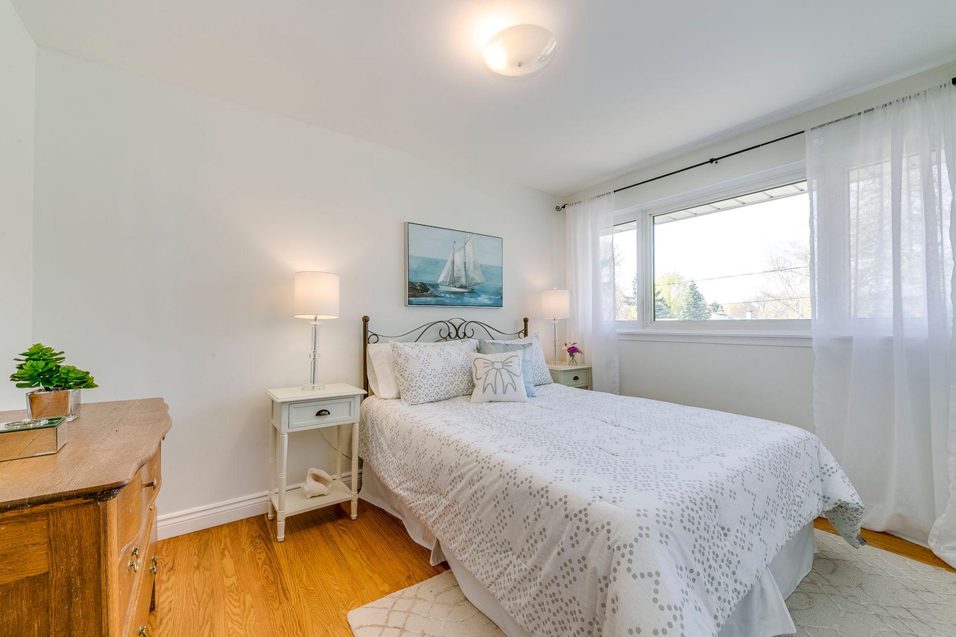 2nd Bedroom -1247 Kensington Park Rd, Oakville - Elite3 & Team at 1247 Kensington Park Road, Iroquois Ridge South, Oakville