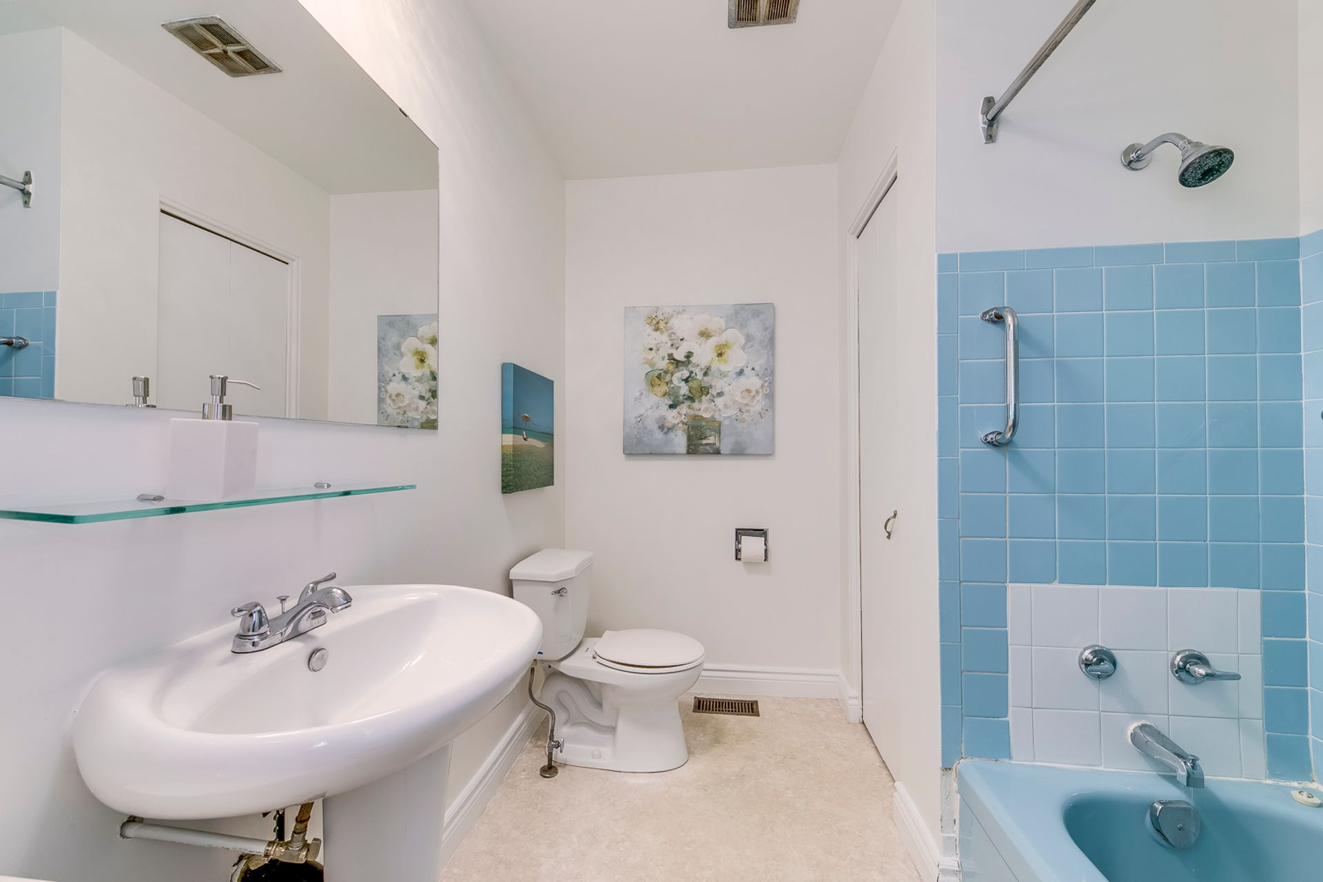 Main Bathroom -1247 Kensington Park Rd, Oakville - Elite3 & Team at 1247 Kensington Park Road, Iroquois Ridge South, Oakville