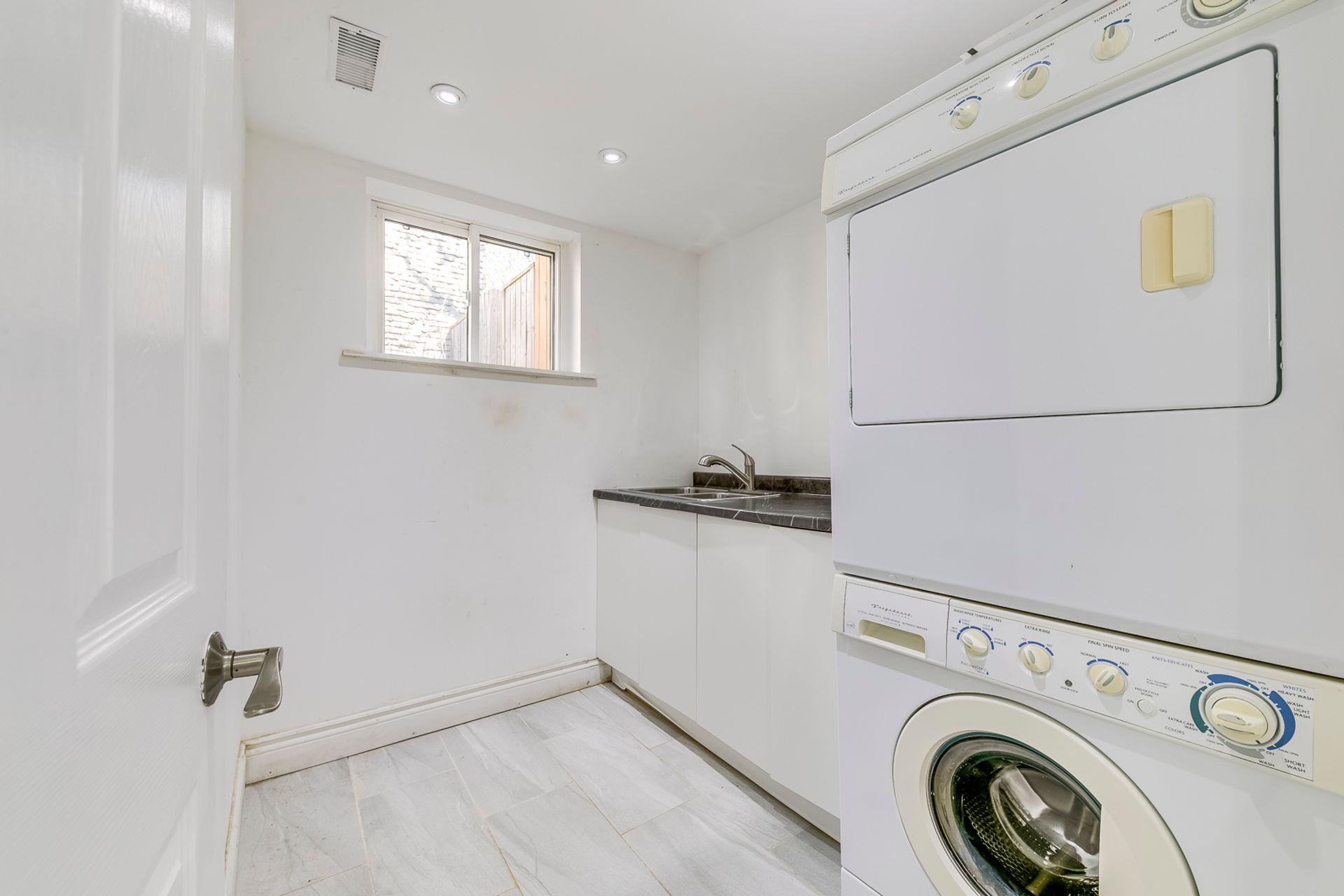 Lower Laundry Room -1247 Kensington Park Rd, Oakville - Elite3 & Team at 1247 Kensington Park Road, Iroquois Ridge South, Oakville