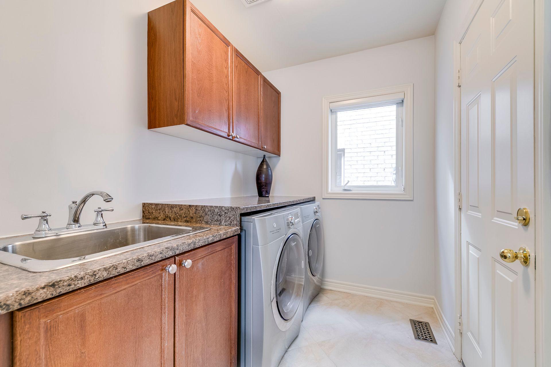 Laundry Room - 2487 Bon Echo Dr, Oakville - Elite3 & Team at 2487 Bon Echo Drive, Iroquois Ridge North, Oakville